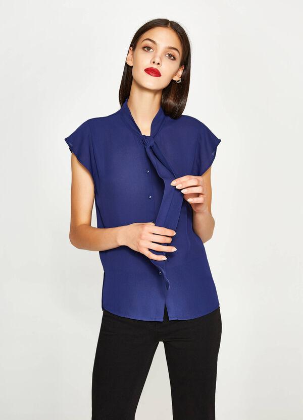 V-neck shirt with tie fastening   OVS