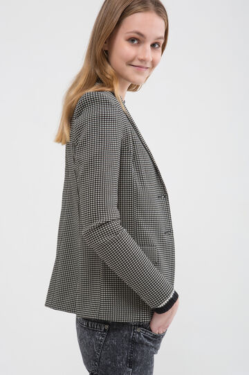 Stretch jacket with geometric pattern