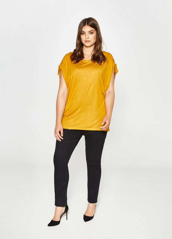 Curvy T-shirt with laces on the shoulders | OVS