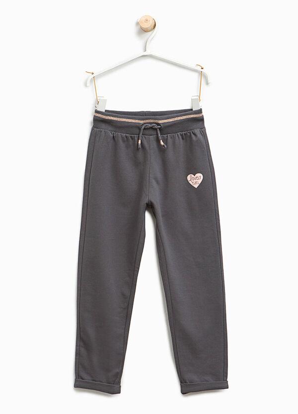 Pantaloni tuta con stampa a cuore | OVS