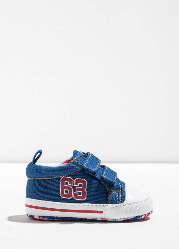 Sneakers con strappi stampate | OVS