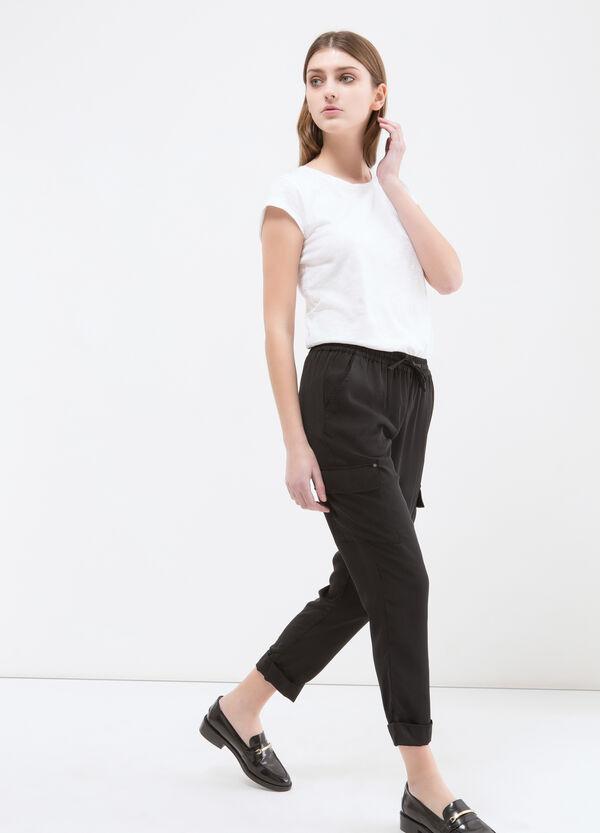 Pantaloni capri con tasconi | OVS