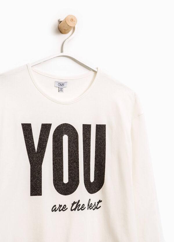 T-shirt stampa lettering e taglio al vivo | OVS