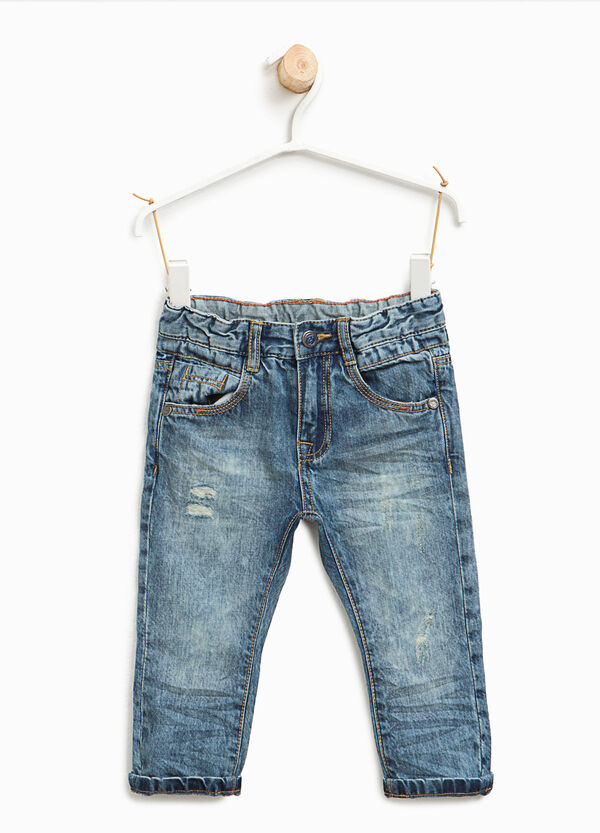 Mis-dyed-effect jeans with rips | OVS