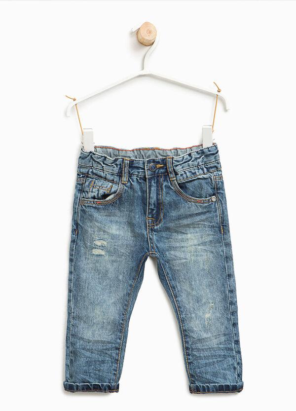 Jeans effetto maltinto con strappi | OVS