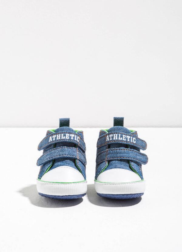 Sneakers alte con ricami lettering | OVS