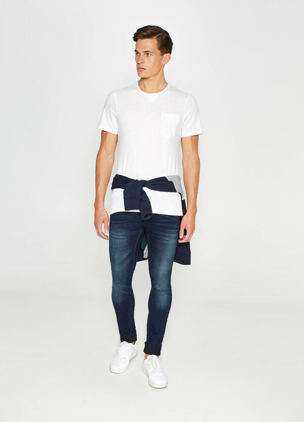 Raw cut T-shirt with pocket | OVS