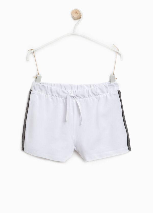 Shorts con bande laterali rigate | OVS
