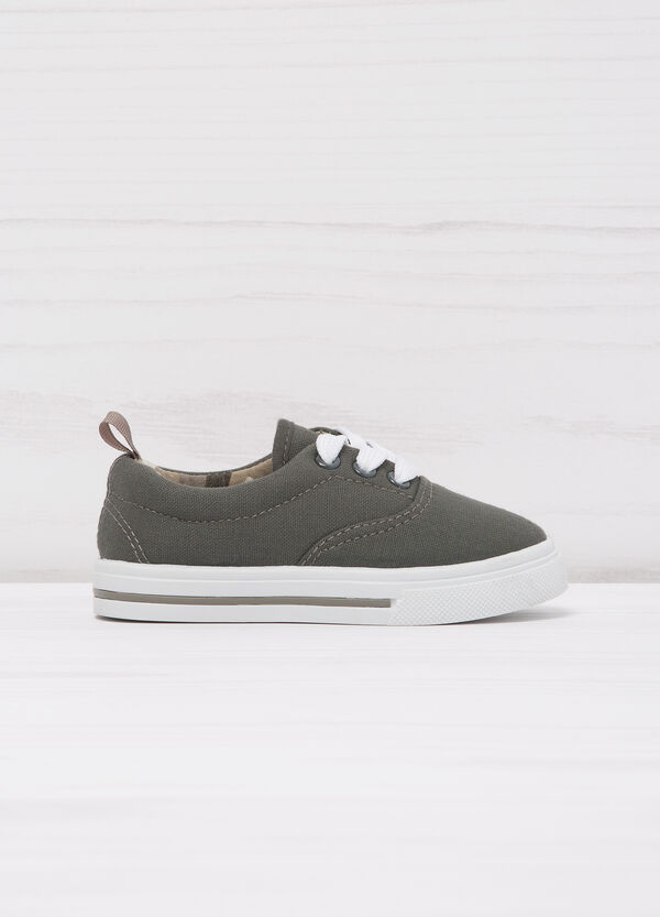 Sneakers with contrasting sole.   OVS
