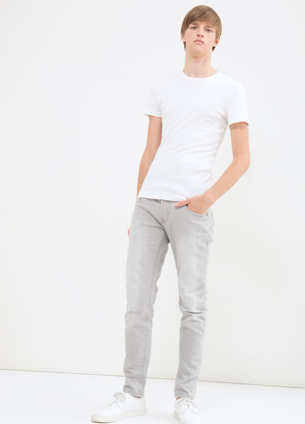 Skinny jeans with tone-on-tone stitching | OVS