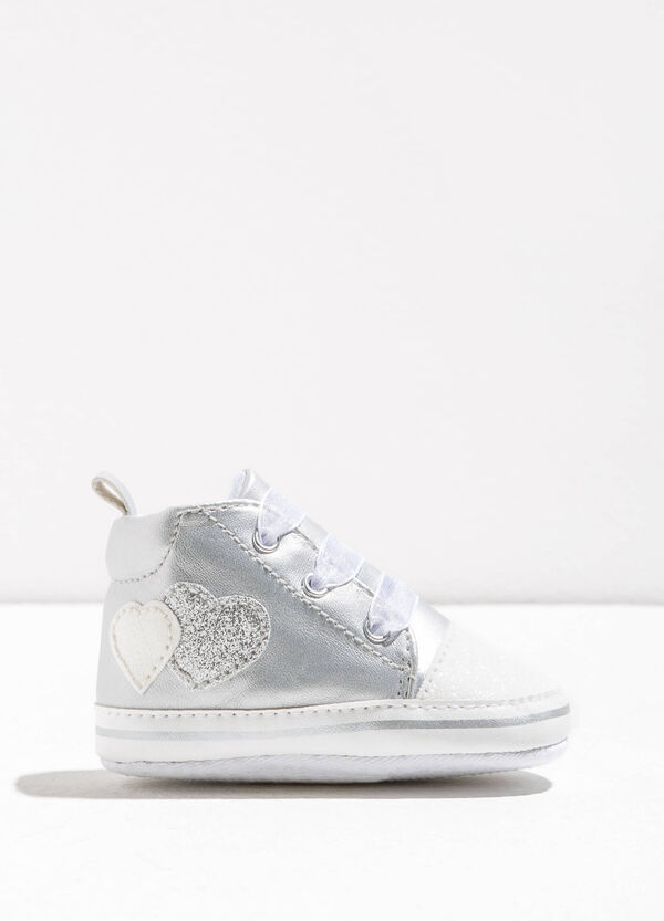Shiny high sneakers with hearts | OVS
