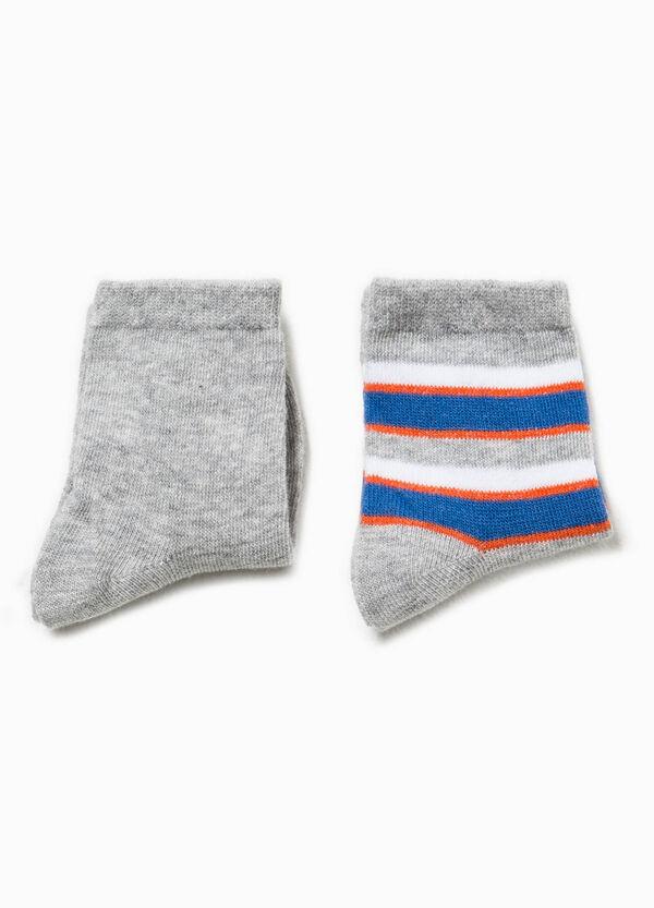 Set due paia di calze corte unito e righe | OVS