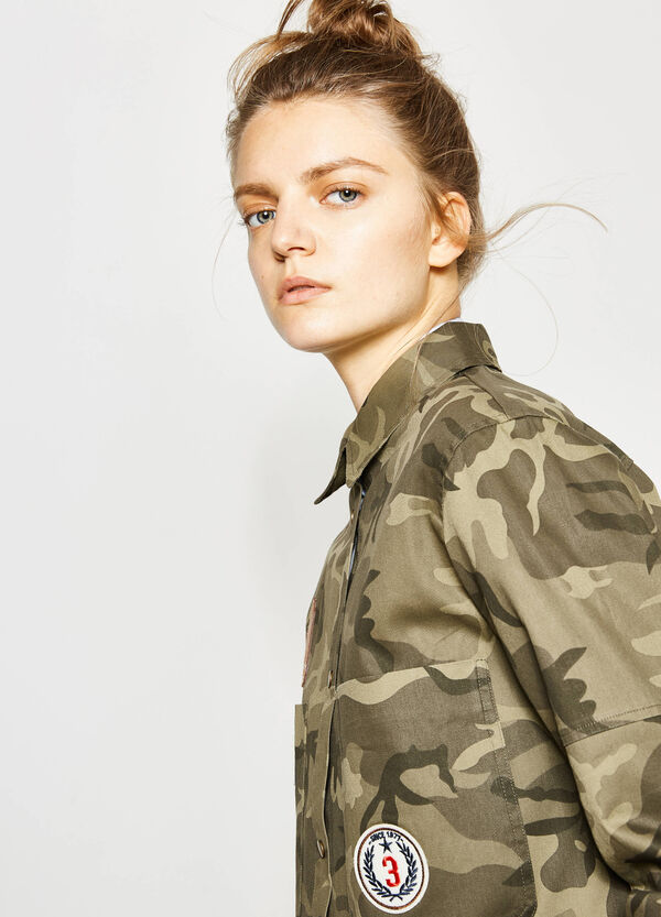 Camouflage shirt with patches | OVS