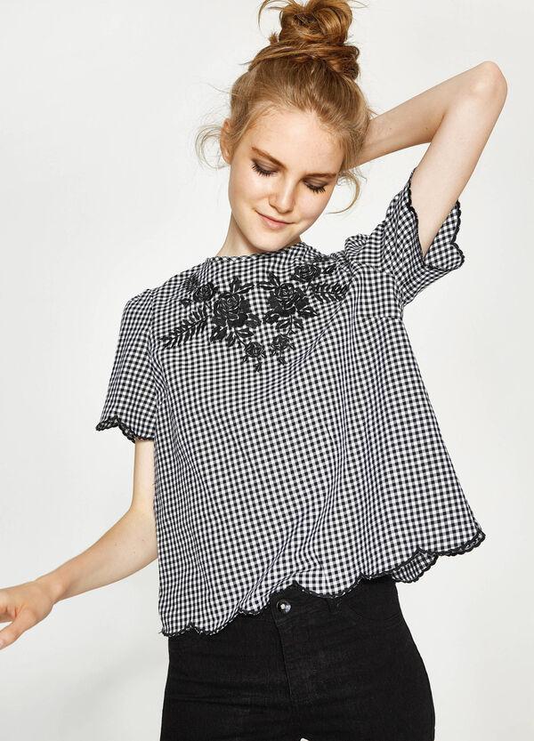 Blusa in cotone a quadri con ricami | OVS