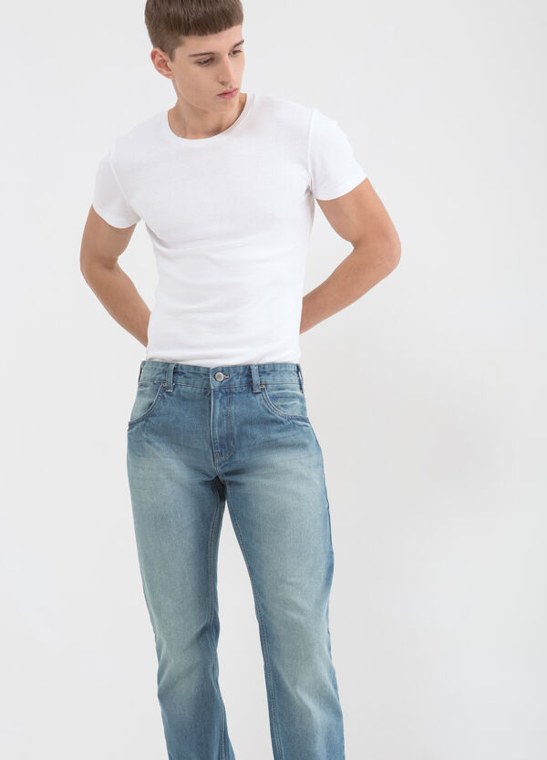 Jeans regular fit effetto delavé | OVS