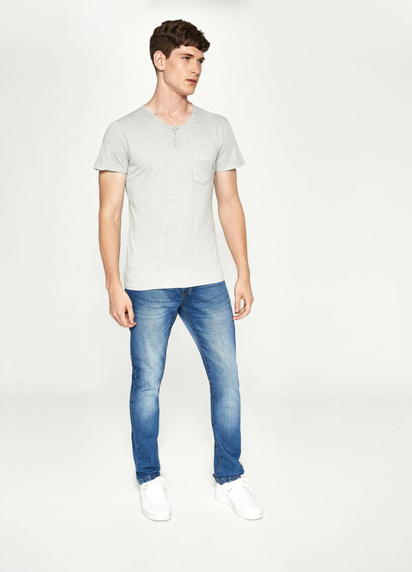 T-shirt with buttons and pocket | OVS