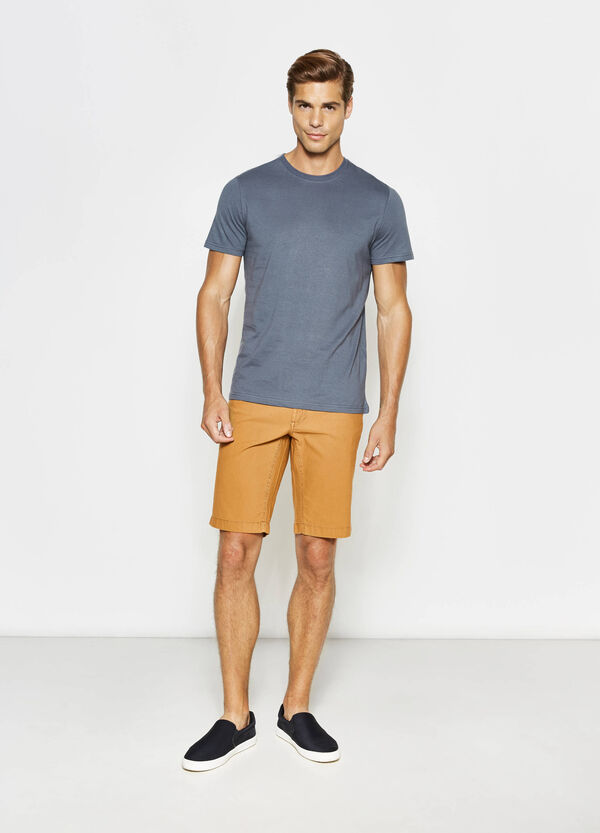 Regular-fit Bermuda shorts with striped weave | OVS