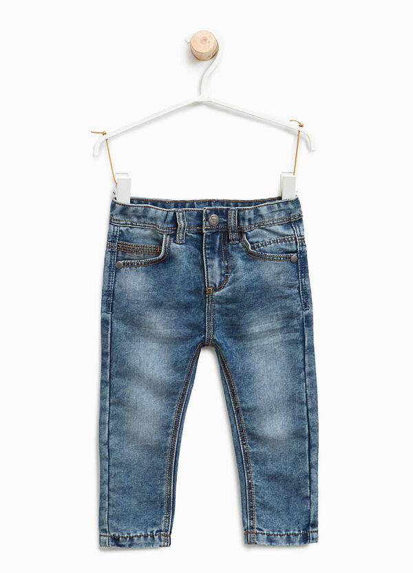 Jeans effetto used con baffature | OVS