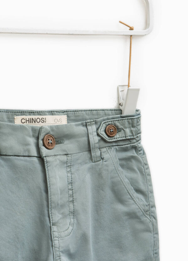 Pantaloni chino slim fit in cotone stretch | OVS