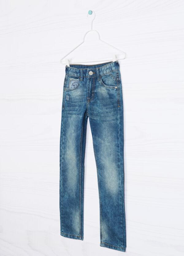 Jeans effetto used con strappo   OVS