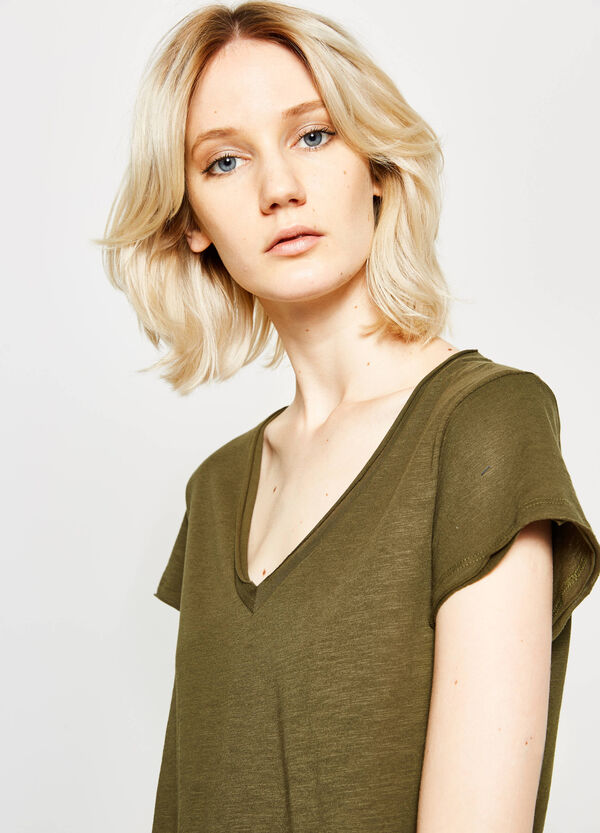Cotton V-neck T-shirt | OVS