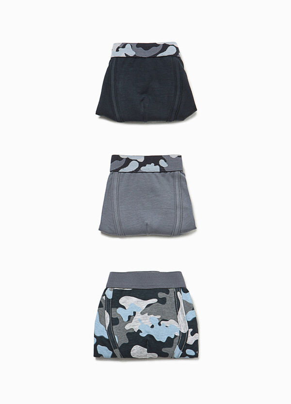 Three-pack solid colour and camouflage patterned boxers | OVS