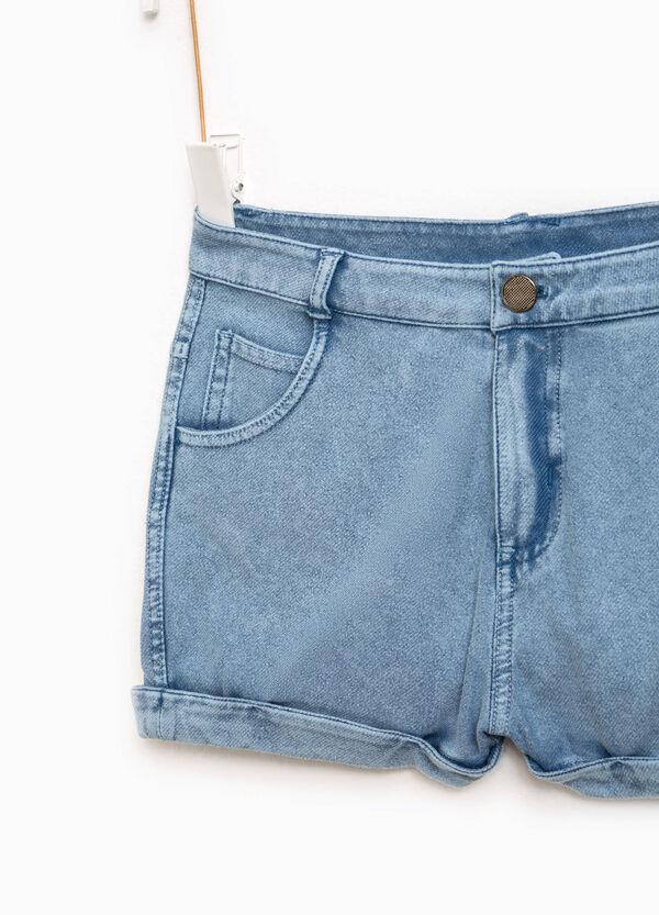 Shorts di jeans con risvolto | OVS