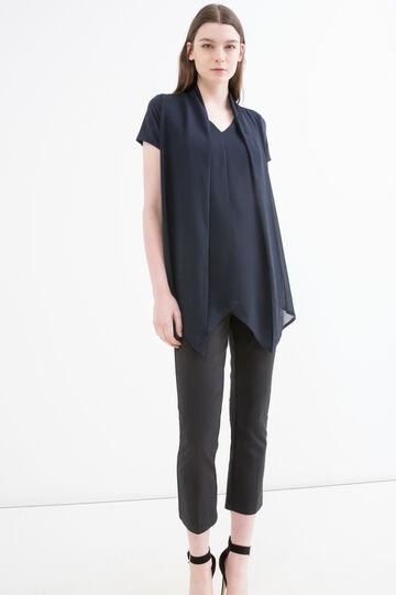 V-neck solid colour stretch T-shirt