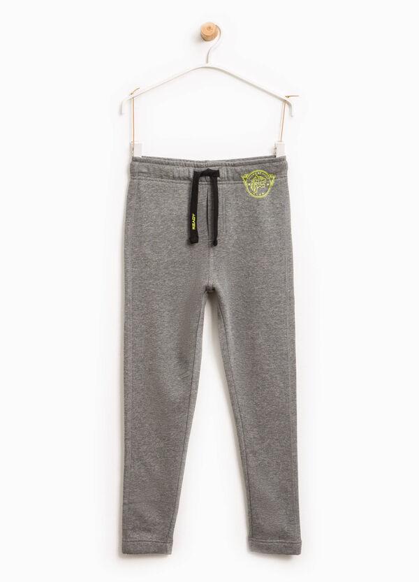 Pantaloni tuta con coulisse stampati | OVS