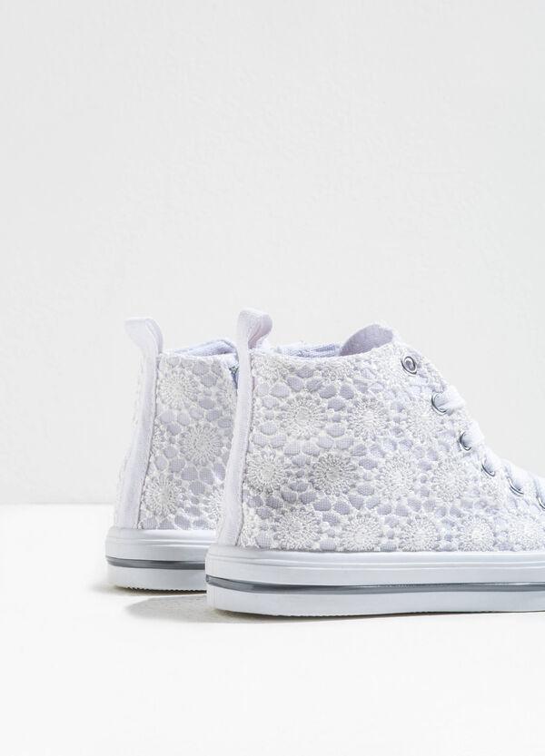 Sneakers alte in pizzo con lacci | OVS