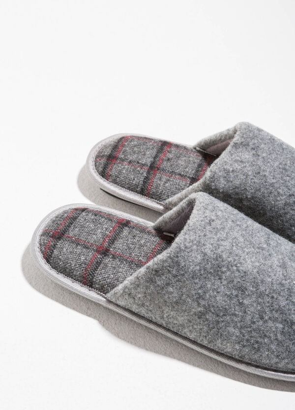 Canvas slippers with tartan inner sole | OVS