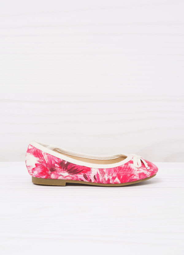 Round toe ballerina flats with print. | OVS