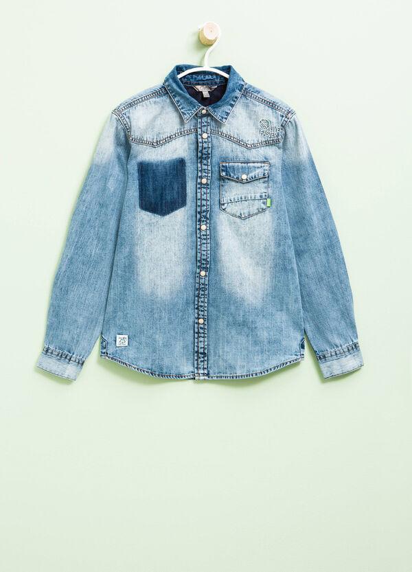 Camicia di jeans con patch e ricami | OVS