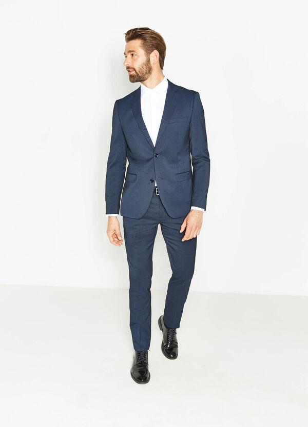 Abiti da uomo alla moda per dare il meglio di te su ZARA online. Ricevi il tuo ordine con SPEDIZIONE GRATUITA.