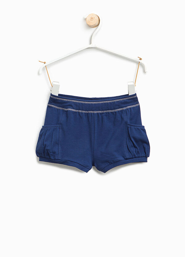 Shorts with contrasting stitching | OVS