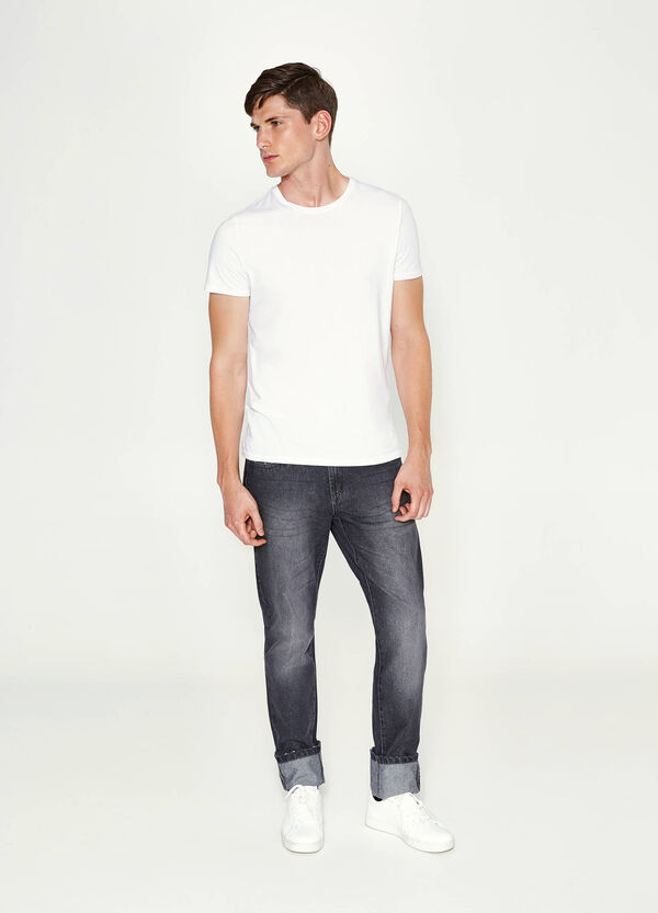 Straight-fit worn-effect jeans with turn-ups | OVS
