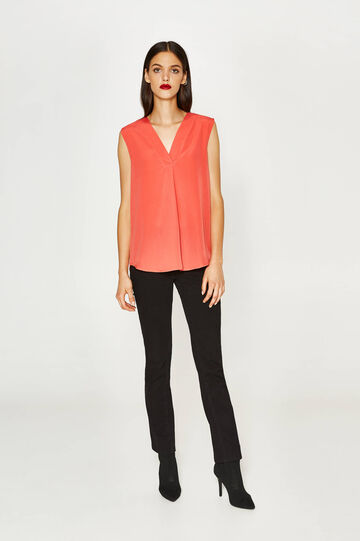 Top with V-neck and pleating