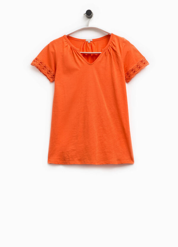 Smart Basic V-neck T-shirt with lace | OVS