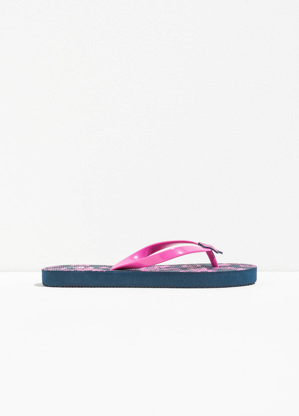 Patterned flip flops with star patch | OVS