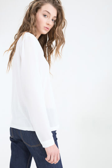 Blouse with long sleeves