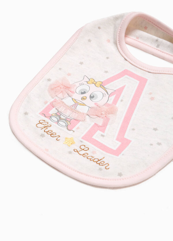 Bib with patch and stars pattern | OVS