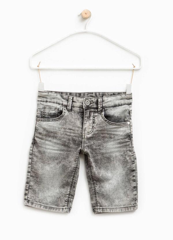 Bermuda di jeans stretch effetto used | OVS