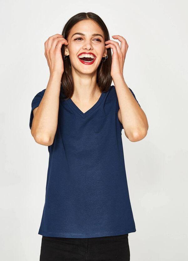 T-shirt stretch con scollo a V | OVS