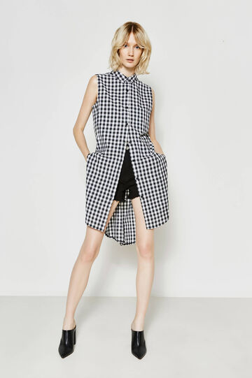 Sleeveless shirt dress with pattern