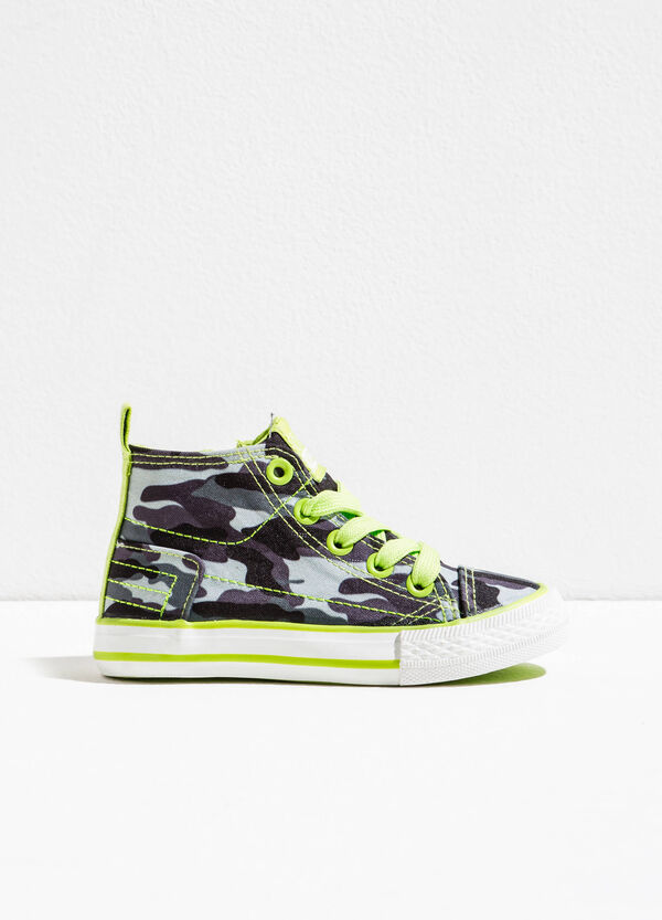 Sneakers alte con stampa camouflage | OVS